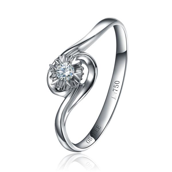 钻石颜色和净度哪个比较重要,钻石颜色和净度哪个更重要生活