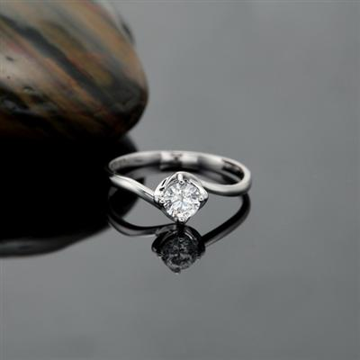 戒指的戴法和意义 2014为您盘点所有不同戒指戴法的意义; 男生戒指图片